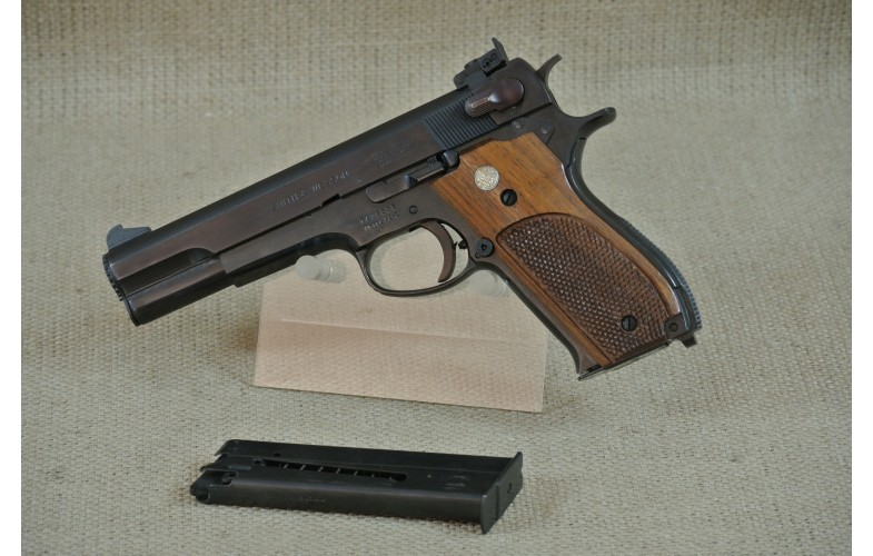 Halbautomatische Pistole, Smith & Wesson, Mod. 52-2 , Kal. .38 Special/WC.