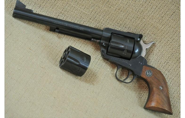 Revolver, Ruger New Model Blackhawk, Kal. .45Colt mit Wechseltrommel .45Auto..