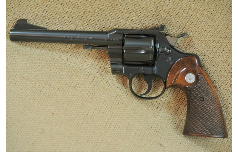 Colt Mod. Officers Model Match,  Kal.  .38 Spezial