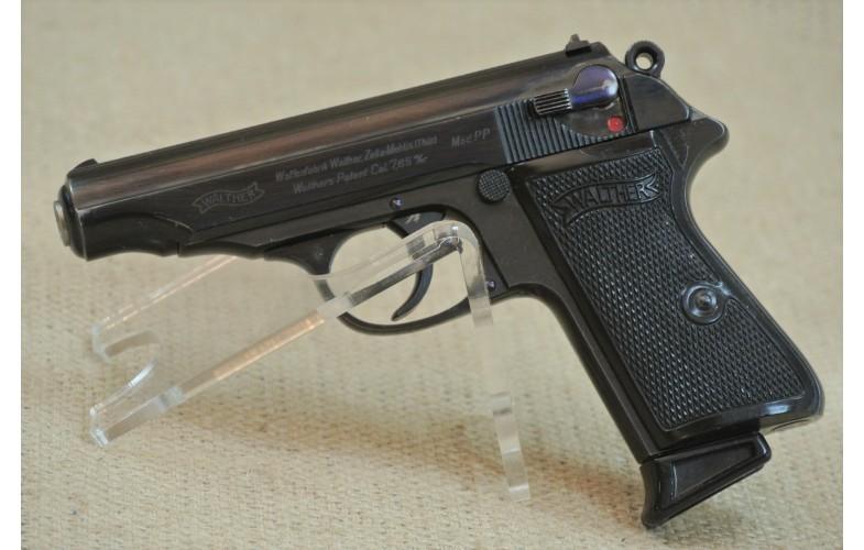 """"""" VERKAUFT """" Halbautomatische Pistole, Walther Zella-Mehlis, 90 Grad Sicherung, Mod. PP, Kal. 7,65mm Browning."""