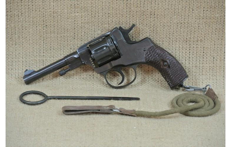 Revolver, Nagant, Mod. 1895 (1945), Kal. 7,62 mm Nagant.